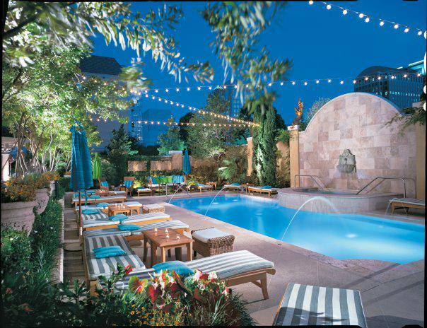 Top 5 Coolest Pools in Dallas