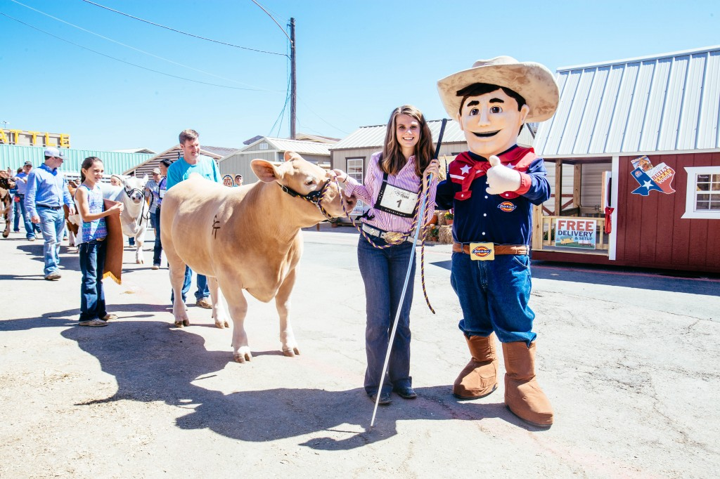 Pictured: Laurel Kelly and RFD (Grand Champion Steer) - Photo credit: Kathy Tran