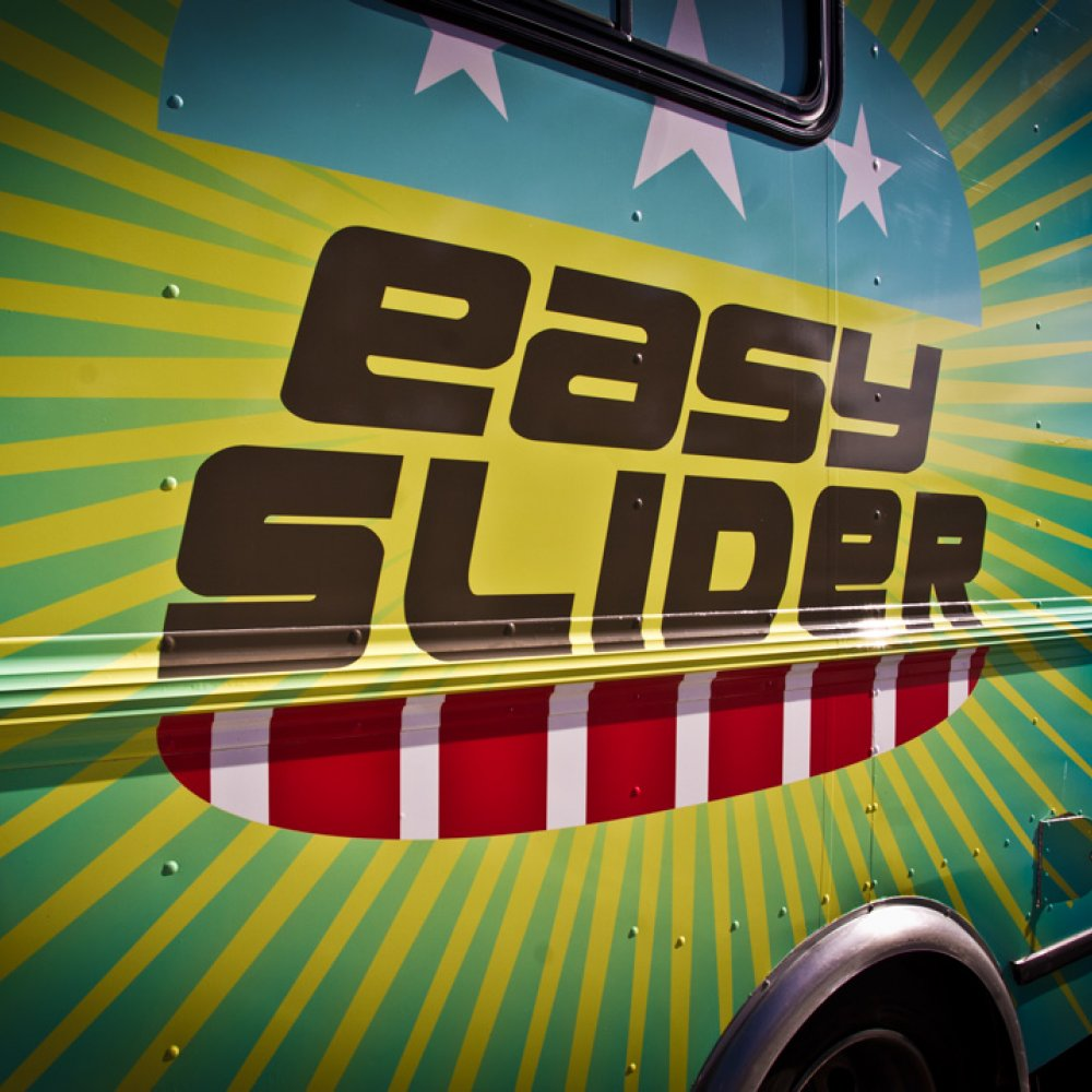 Easy Slider - by @RoamingHunger
