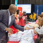 Emmitt Smith Helps Dallas ISD Students Score